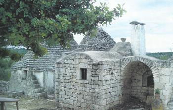 Vista completa dei trulli antichi - Casa vacanze Tre Casiedde