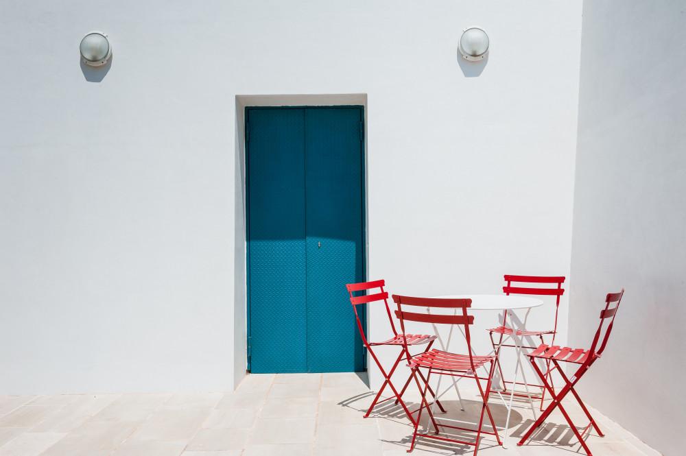 L'angolo della colazione o aperitivo all'aperto da Tre Casiedde in Puglia