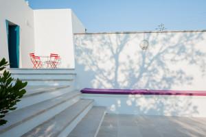 Rilassatissati sulla grande veranda di Tre Casiedde, caza vacanze a Ostuni