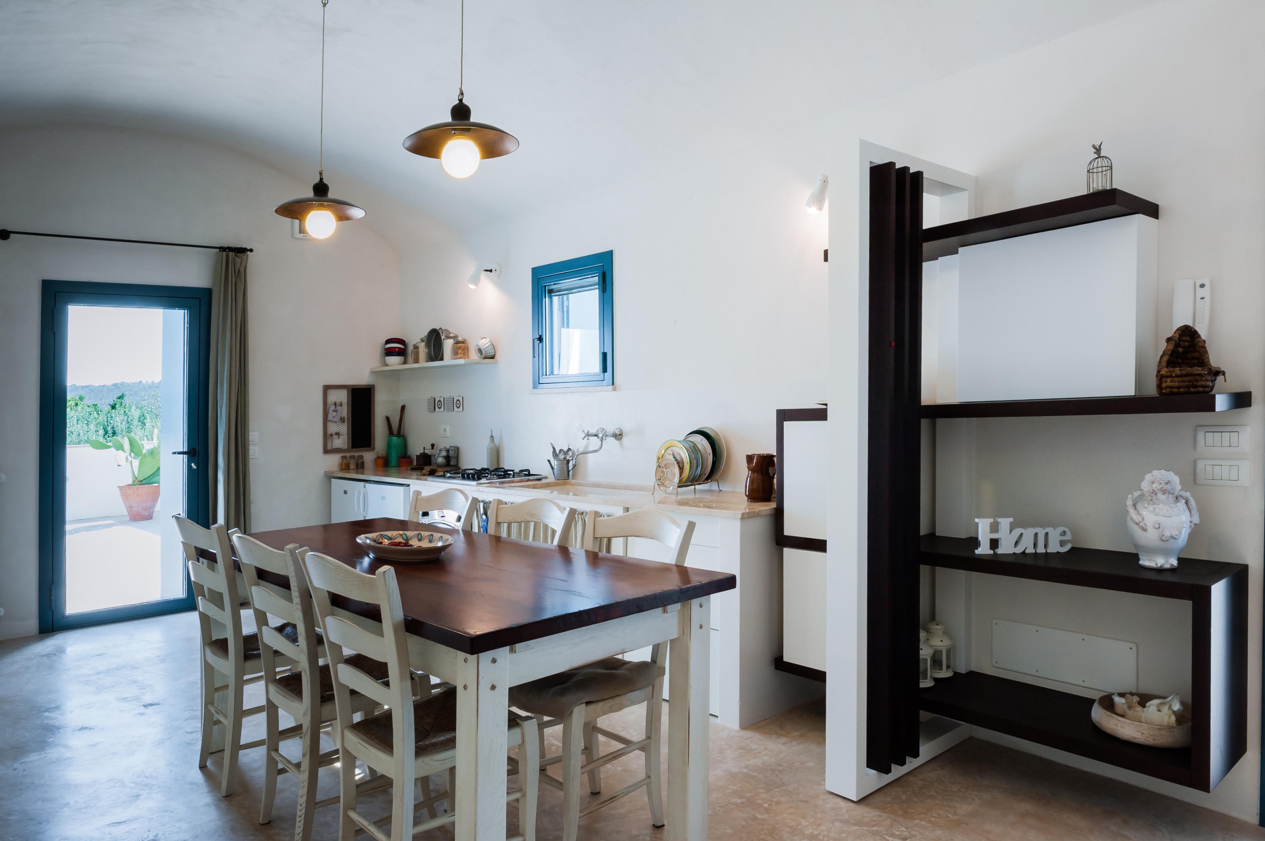 La nostra cucina accoglie gli ospiti facendoli sentire a casa...