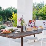 La porta-tavolo di Tre Casiedde - dettaglio aperitivo in veranda